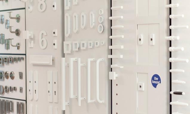 wit deurbeslag