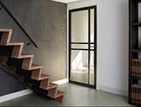 Eenvoud, karakter en ruimte in één deur
